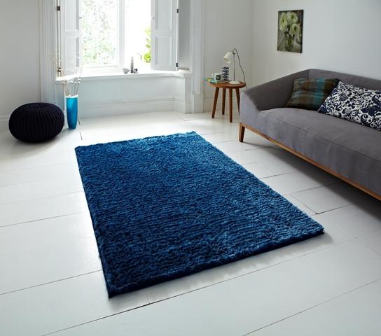 schlafzimmer teppich vorleger gro dunkel blau hochglanz fleckenfest zottelig ebay. Black Bedroom Furniture Sets. Home Design Ideas